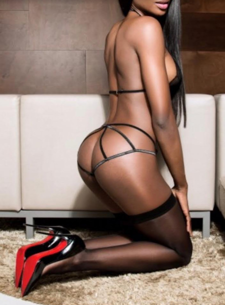 Escorts in oldham uk